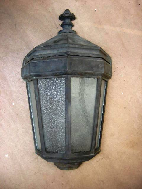 Duntroon Full Size Half Wall mounted Lamp