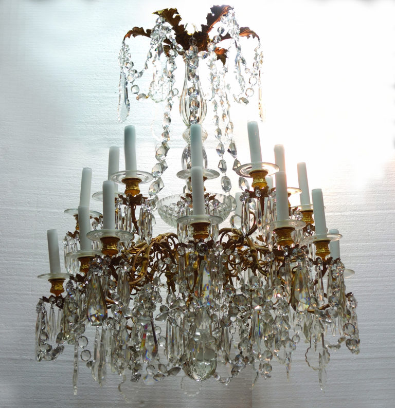French 19th Century French Style Bronze and Crystal Chandelier