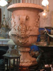 Substantial urn