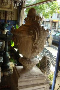 Large composite urn
